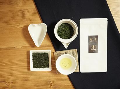 うまみが凝縮された極上の茶葉の甘みを味わう 濃厚冠茶(かぶせ茶)